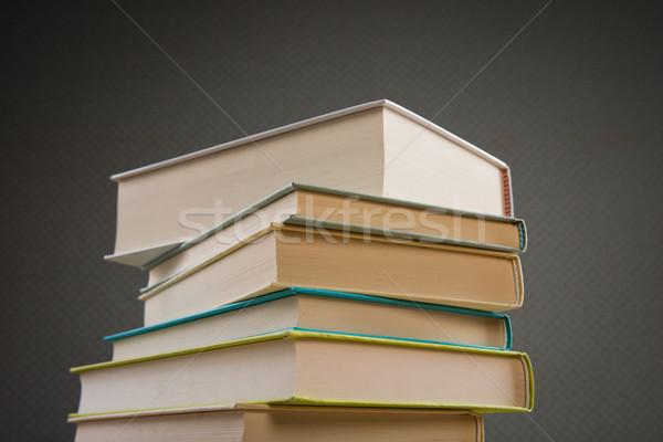 Irodalom tudás köteg keményfedeles könyvek oktatás Stock fotó © stokkete