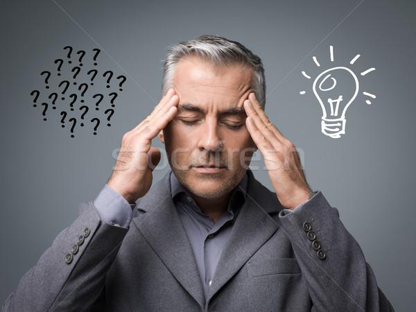 Problémamegoldás kreatív megoldások üzletember problémák gondolkodik Stock fotó © stokkete