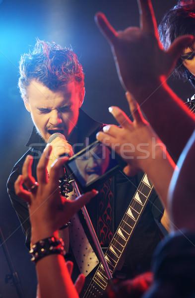 Rock star gitarzysta śpiewu etapie rock koncertu Zdjęcia stock © stokkete