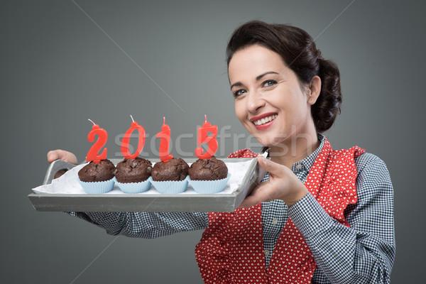 Boldog új évet 2015 muffinok klasszikus háziasszony adag Stock fotó © stokkete