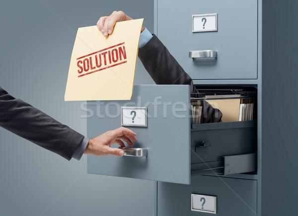 üzlet megoldás problémamegoldás üzletember bent faliszekrény Stock fotó © stokkete