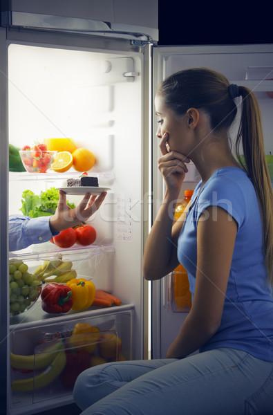 Sweet искушение женщину разорение диета фрукты Сток-фото © stokkete