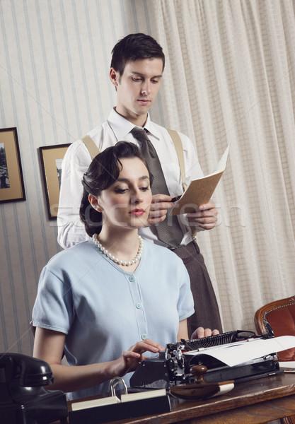 üzlet csapatmunka üzleti partnerek dolgozik iroda klasszikus Stock fotó © stokkete