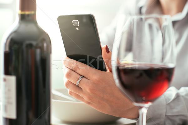 Nő bor app étterem címke üveg Stock fotó © stokkete