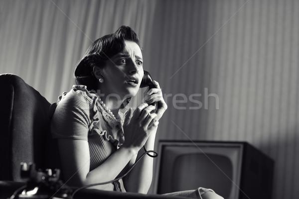 Ijedt nő megrémült beszél telefon klasszikus Stock fotó © stokkete