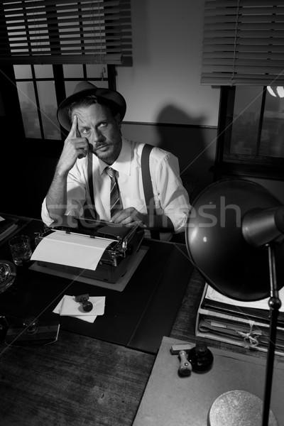 Retro scrittore guardando ispirazione lavoro desk Foto d'archivio © stokkete