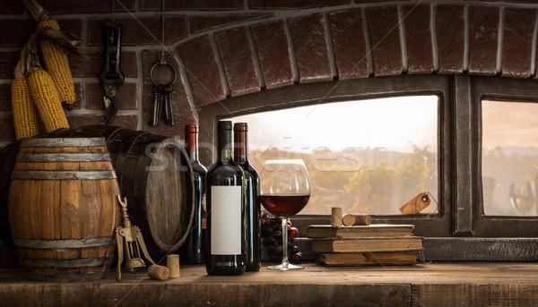 Rústico adega copos de vinho garrafas panorâmico Foto stock © stokkete