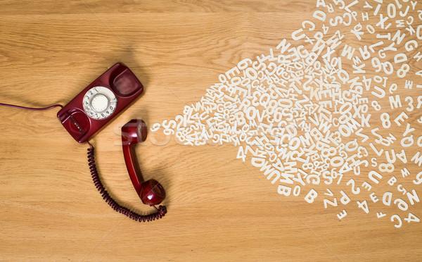 Telefonbeszélgetés műanyag levelek ki telefon iskola Stock fotó © stokkete