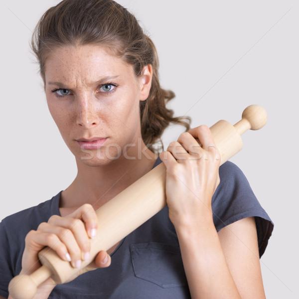 Huiselijk geweld agressief vrouw houten deegrol Stockfoto © stokkete
