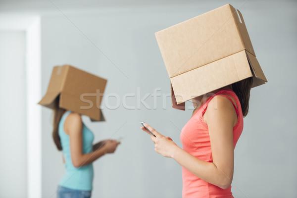Społecznej izolacja nastolatek dziewcząt pola głowie Zdjęcia stock © stokkete