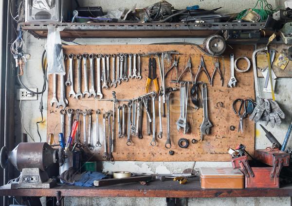 Photo stock: Outil · plateau · mur · vieux · outils · suspendu