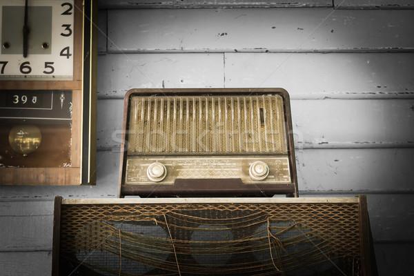 Vintage radio giocatore retro clock stanza Foto d'archivio © stoonn