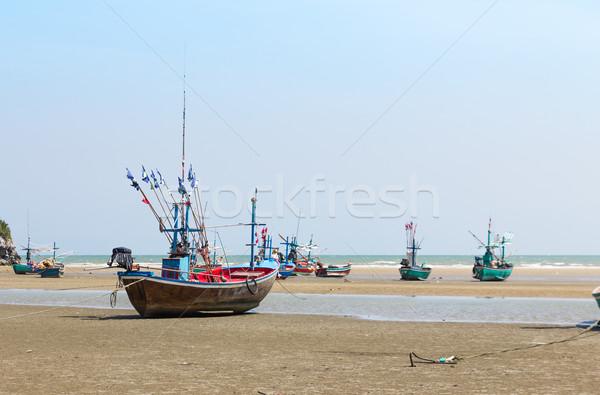 Vissersboot strand Thailand hemel water voedsel Stockfoto © stoonn