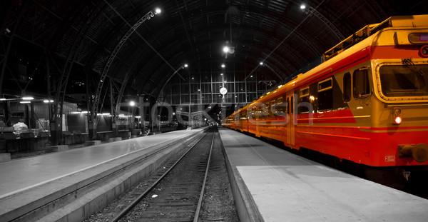 Tren estación de ferrocarril Foto blanco negro color edificio Foto stock © Stootsy