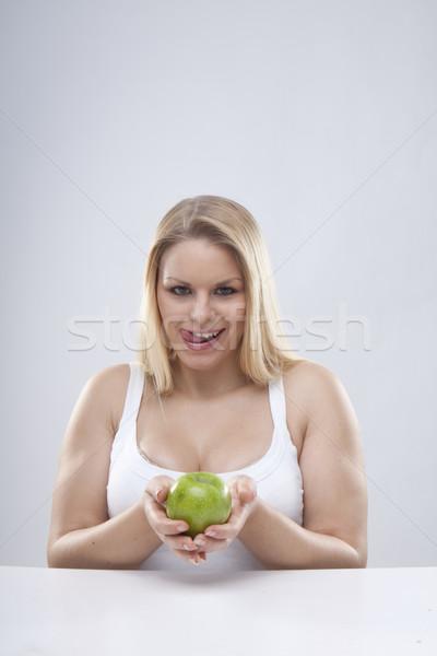 Egészséges étrend fiatal nő friss zöld alma mosoly Stock fotó © stryjek