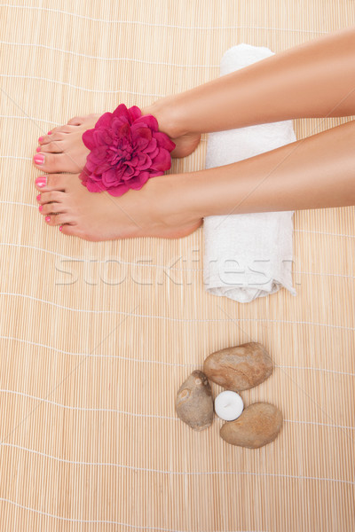 Kobieta leczenie uzdrowiskowe widoku stóp Zdjęcia stock © stryjek