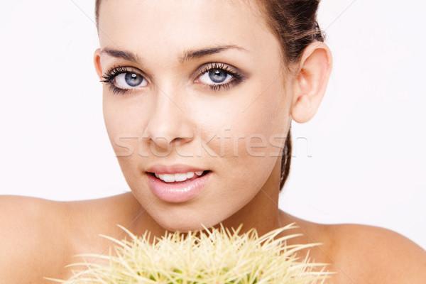 Сток-фото: красоту · лице · красивой · улыбающаяся · женщина · кактус · завода