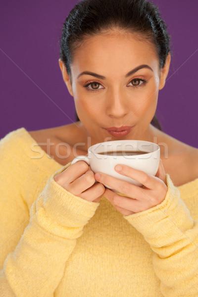 Mulher resfriamento para baixo café belo morena Foto stock © stryjek