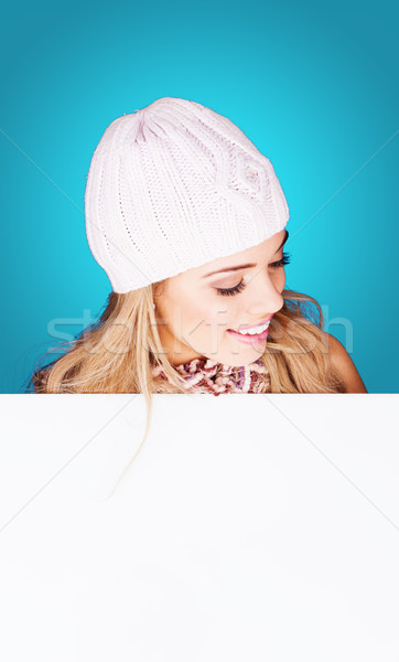 Mooie jonge vrouw witte gebreid Stockfoto © stryjek