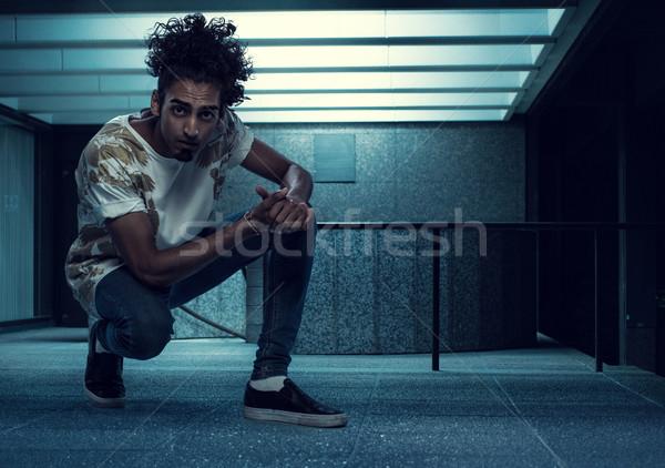 Stock fotó: Fiatal · fickó · bent · épület · jóképű · üres