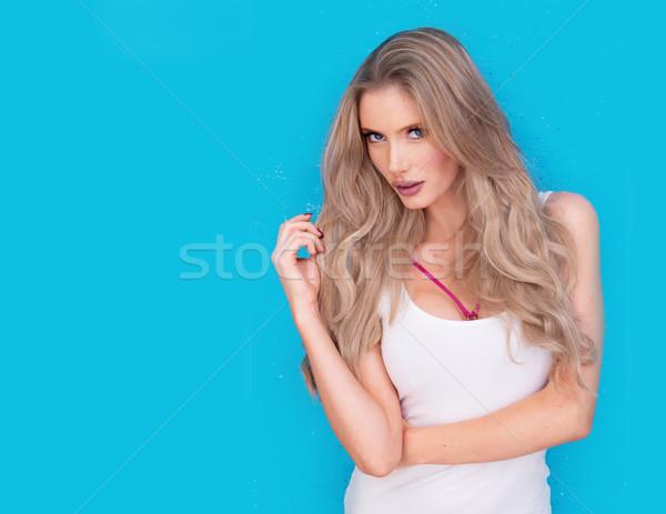 Trendi vonzó intenzív fiatal szőke nő Stock fotó © stryjek