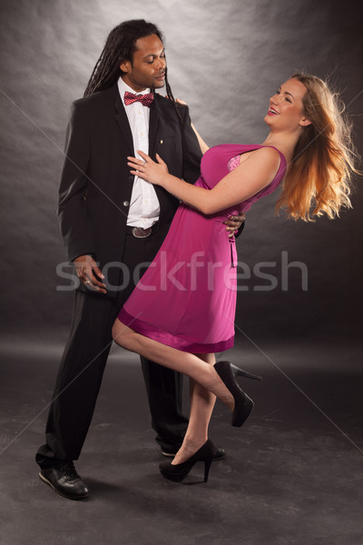 Bonitinho jovem misto casal dança africano americano Foto stock © stryjek