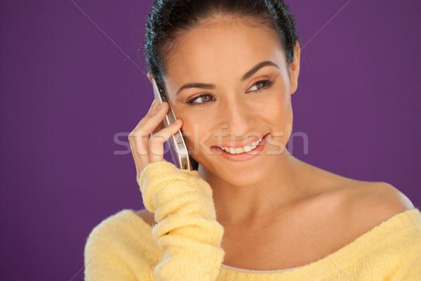 Foto d'archivio: Bella · donna · ascolto · mobile · bella · donna · sorridente · conversazione