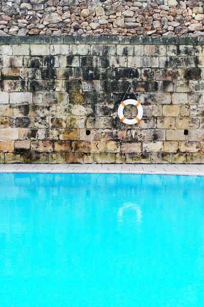 Nyugalmas öreg úszómedence víz akasztás fal Stock fotó © stryjek