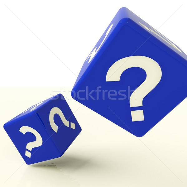 Foto d'archivio: Punto · di · domanda · dadi · simbolo · domande · risposte · blu