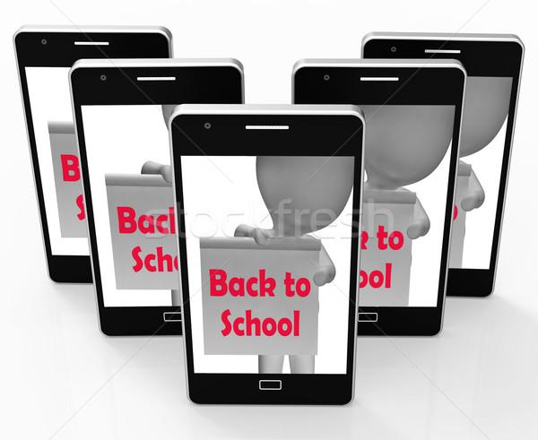 Vissza az iskolába telefon kezdet mutat internet iskola Stock fotó © stuartmiles