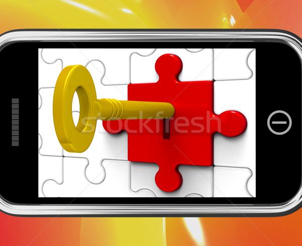 Kulcs zár okostelefon üzenetek titkolózás biztonság Stock fotó © stuartmiles