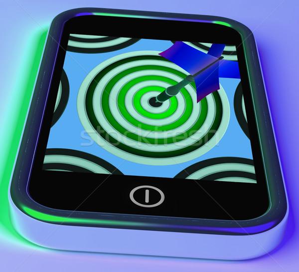 Darts tábla okostelefon mutat online íjászat játékok Stock fotó © stuartmiles