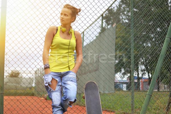 美人 スケート 屋外 ショット 都市 ヘッドホン ストックフォト © studio1901