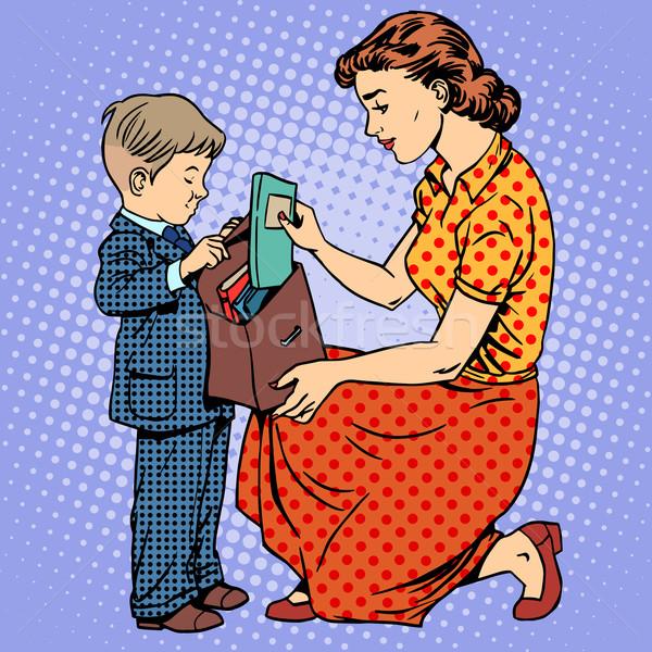 Anya segítség gyermek jött iskola tankönyvek Stock fotó © studiostoks