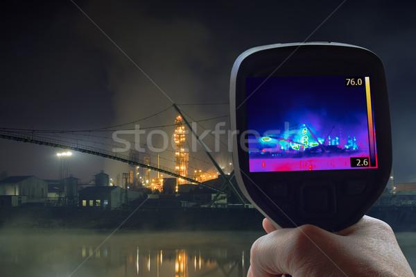 Refinería de petróleo supervisión tecnología industria químicos Foto stock © Suljo