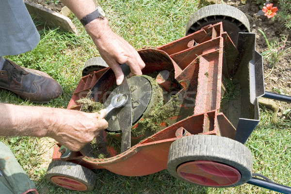 Снять нож газонокосилки