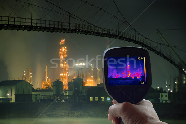 Olaj infravörös felügyelet olajfinomító éjszaka ipar Stock fotó © Suljo