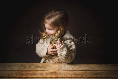çok güzel küçük kız oyuncak ayı kazak oynama Stok fotoğraf © superelaks
