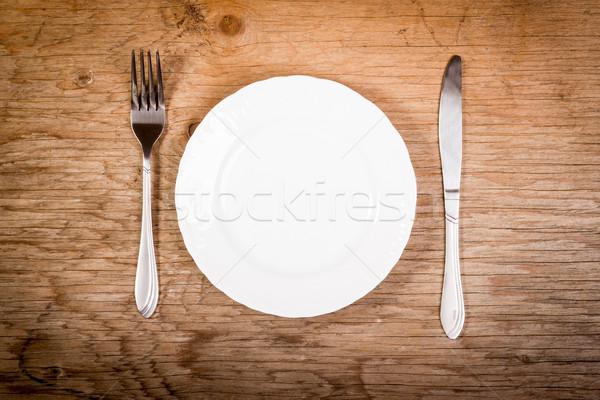 Boş plaka çatal bıçak takımı tablo beyaz eski Stok fotoğraf © superelaks
