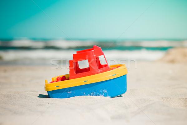 Oyuncak gemi plaj tekne kum su Stok fotoğraf © superelaks