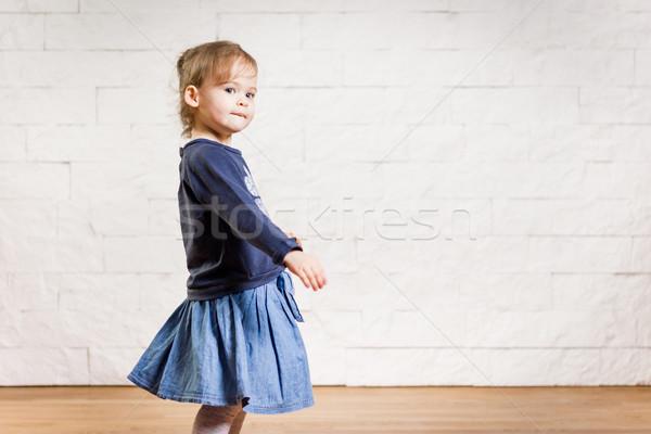 çok güzel küçük kız dans oda sevimli poz Stok fotoğraf © superelaks
