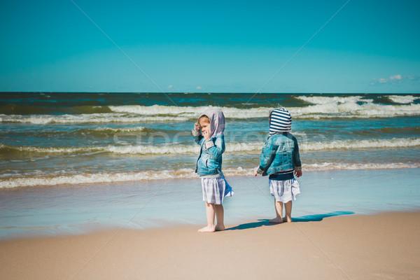 Iki bakıyor deniz kızlar zaman Stok fotoğraf © superelaks