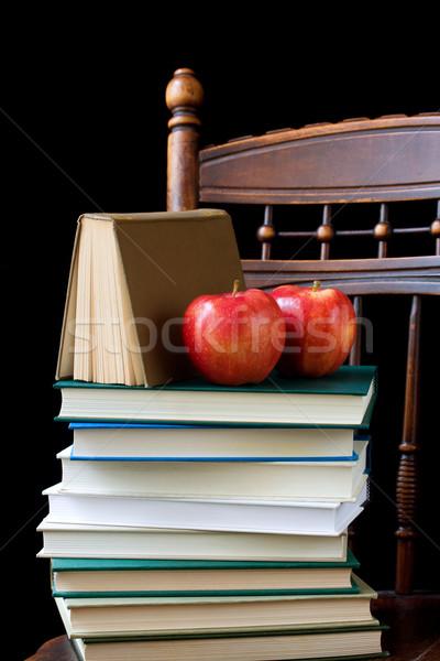 Terug naar school appels boeken stoel hout Stockfoto © susabell