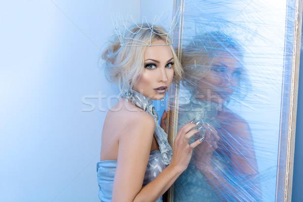Kar kraliçe dondurulmuş ayna güzel genç kadın Stok fotoğraf © svetography