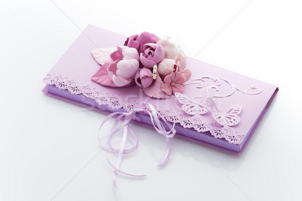 Invito busta decorato fiori viola Foto d'archivio © svetography