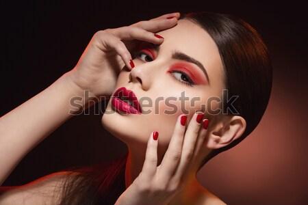 Piękna dziewczyna czerwony makijaż Pióro jasne Zdjęcia stock © svetography