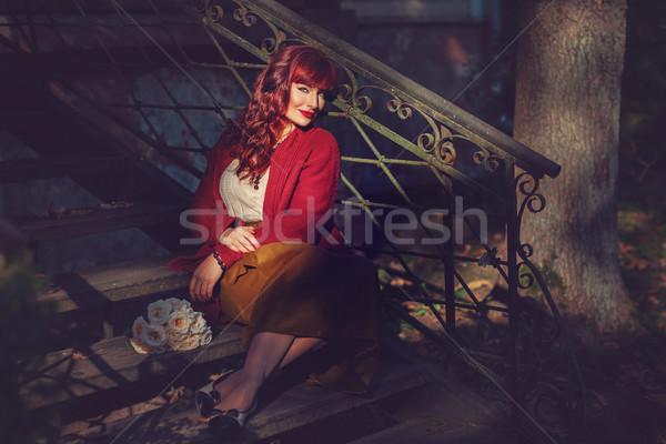 Meisje vergadering oude huis trap mooie jonge vrouw Stockfoto © svetography