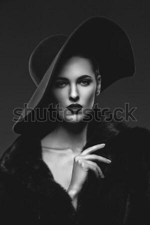 Mooi meisje pels hoed mooie jonge vrouw Stockfoto © svetography