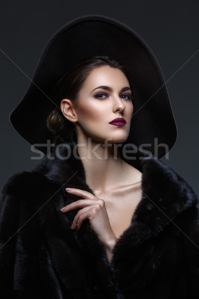 Сток-фото: красивая · девушка · шуба · Hat · красивой