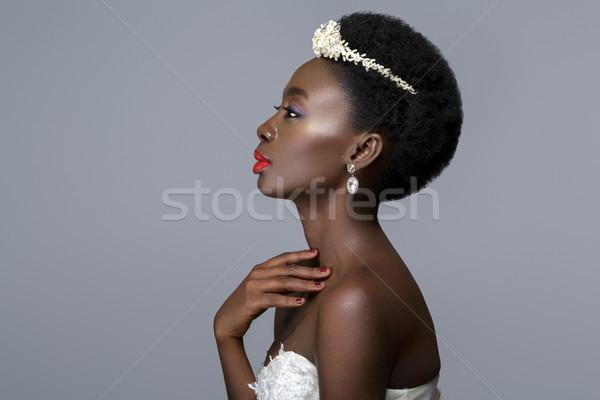 Belle noir peau mariée jeune femme lèvres rouges Photo stock © svetography